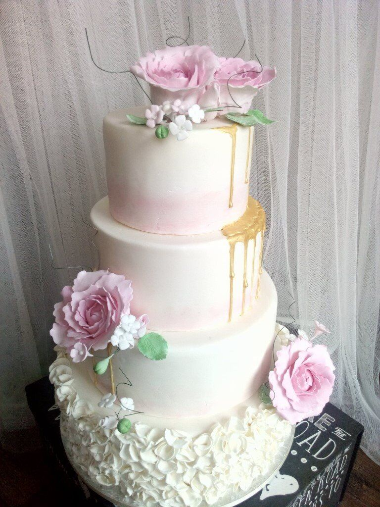 WEDDING CAKES AND CAKE TOPPERS | in Harrow, London | Gumtree