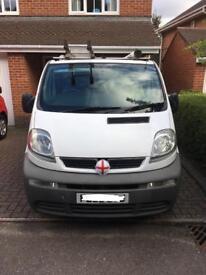 White Vauxhall vivaro 2900