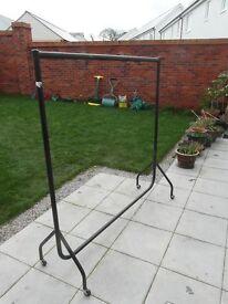 movable clothes rail
