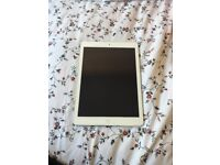 FOR SALE: White/Silver Apple iPad Air 32 GB £250 ONO