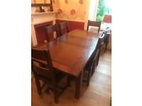 SOLID DARK OAK EXTENDING DINING ROOM TABLE & 8 MATCHING CHAIRS EXCELLENT CONDITION