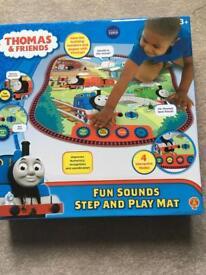 Thomas the Tank-Fun sounds step and playmat