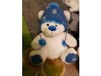 White and blu bear hat toys