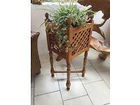 Beautiful lattice design ornate WOOD planter