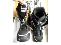 Nearly New Burton Men's Snowboard Boots UK Size 9