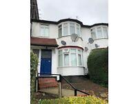 2 bedroom flat in REF:01289 | Leeside Crescent | Golders Green | NW11