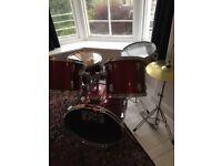 Drum Kit. Session Pro 5 piece + symbols