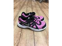 GIRLS NIKE REVALUATION 2 TRAINERS SIZE 12