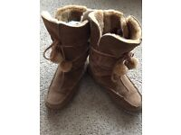 Women's Boots, Size 6