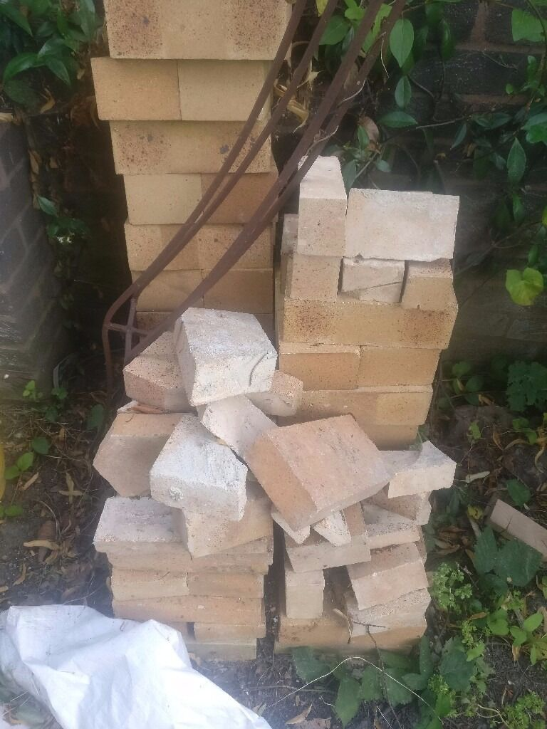 Wood Fired Pizza Oven Fire Bricks and Insulation Blanketin Dulwich, LondonGumtree - Hi, I have these materials left over from building a wood fired oven. They were all bought new about 8 months ago. Theyd be a perfect, and cheap, way to build an oven, BBQ, kiln etc. I have 46 Fire Bricks at 230 x 115 x 76 paid £71 12 Fire bricks at...