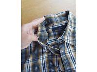 """Men's Calvin Klein Shirt Size L (21"""" pit to pit)"""