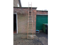Extending ladder. 3 sections. Can convert to step ladder