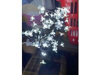 White Flower tree lamp Light new from qvc