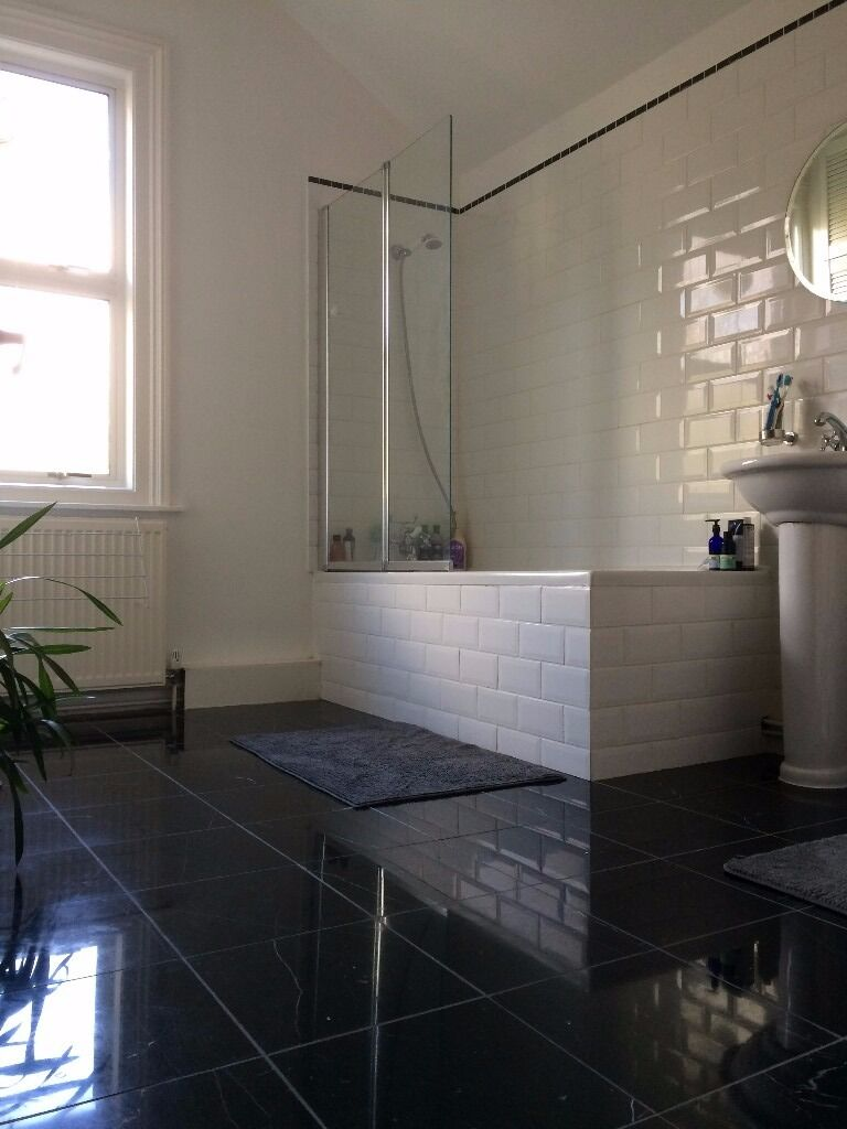 Beautiful centrally located double room with lovely view for rent