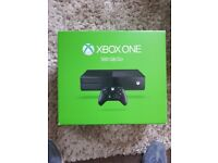 Xbox one 500gb plus pad,box, 1month xbox live and 1 month xbox game pass