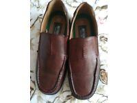 Great buy...Size 41 (7.5) men's shoes.