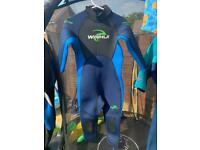 Childs Wetsuit (3-4 years) - only worn once!