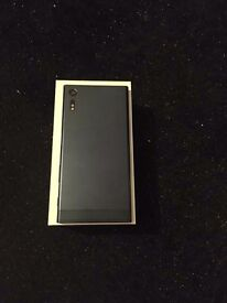 Sony xperia xz F8332 latest model 32GB forest blue only 4 week old got some small scratches good con