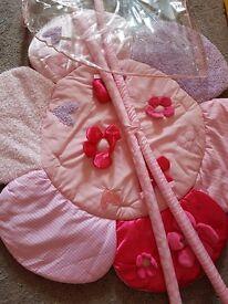 Baby pink flower play mat