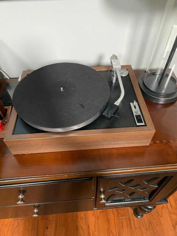 Accoustic Research AR-XB Turntable With Cartridge
