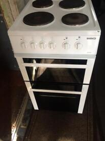 White beko 50cm electric cooker grill & fan oven good condition with guarantee
