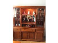 Quality wall unit & dining table/chairs