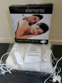 Immaculate 'as new' dual control king size heated blanket