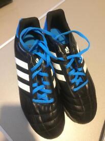 Boys Adidas football shoes 5 1/2 Fit F