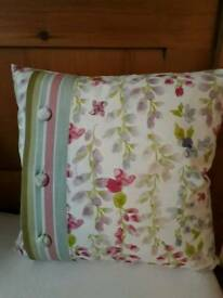 Lovely country style cushion