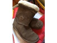 Girls boots from Clarks size 2.5 F