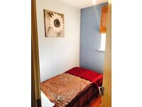 Lovely single boxed room to rent