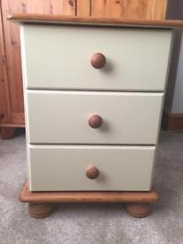 Steens Richmond 3 Drawer Bedside Table in Cream & Pine
