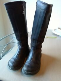 Brown Leather Dr Martens suede boots- great condition. Size 3.