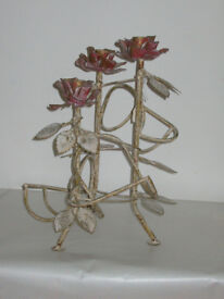 COLLECTABLE METAL ROSE FLORAL BOTTLE AND CANDLE HOLDER CARRIER STORAGE DISPLAY.* WINE RACK