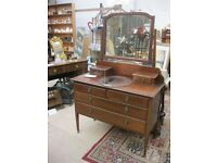 VINTAGE ORNATE MAHOGANY DRESSING TABLE & MATCHING SWING MIRROR.VIEWING/DELIVERY AVAILABLE