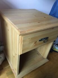 single bedside drawer wooden -pet and smoke free house