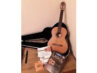 Raimundo 118 Classical Guitar + EXTRAS. Solid Cedar Top.