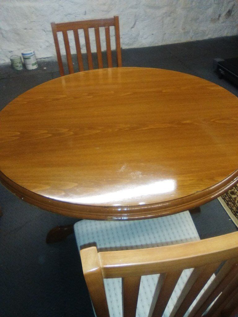 Round Practical Quality Dining Room Table and 2 Chairs