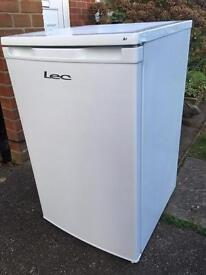 Lec fridge with Freezer compartment 6 months old I can deliver