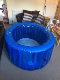 La bassine birth pool in a box comes with all extras
