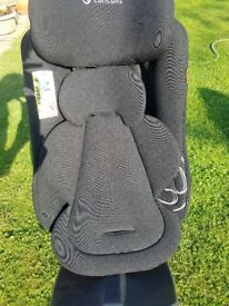 Award winning Concord reverso plus rear facing car seat, 0 - 4 years. Colour: Black
