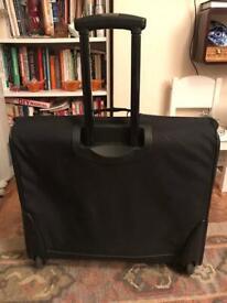 Samsonite classic suitcase