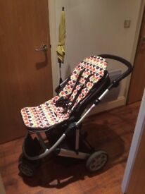 Perfect Mamas & Papas Zoom pram in excellent condition just one user available immediately