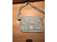 DKNY Leather Unisex Bag. In good condition