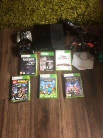 X Box 360, 2 controllers, games bundle including Minecraft and Disney Infinity Package