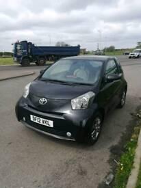 Toyota iq 2 2012 998cc black manual free road tax