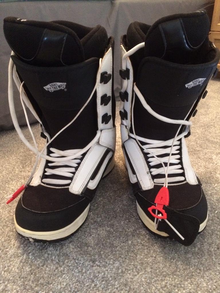 Vans snowboard boots size 8in AberdeenGumtree - Vans snowboard boots UK size 8. Great condition. Barely used. £30 ono