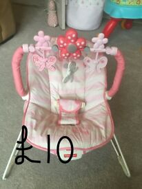 Fisher price vibrating baby bouncer chair