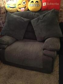 SCS RECLINER CHAIR WITH 2 CUSHIONS