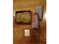 BRAND NEW BOXED SHORT LIGHT PURPLE UGG BOOTS WITH SWAROVSKI CRYSTAL DETAIL UK 6.5